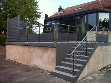 Modern wooden fence gates - Garde corps exterieur moderne ...